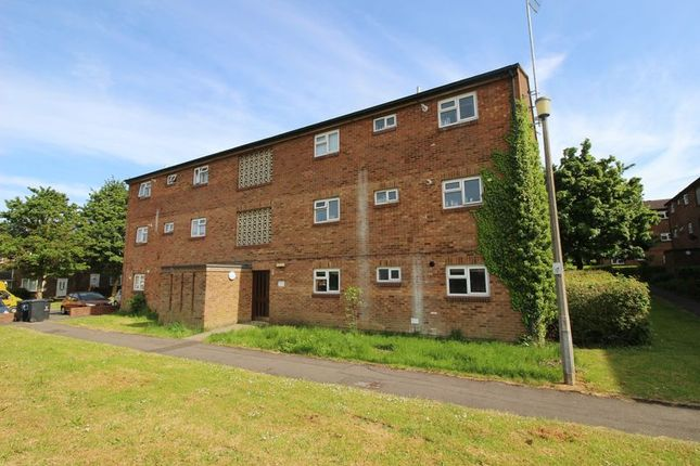 Thumbnail Flat to rent in Oakham Close, Toothill, Swindon
