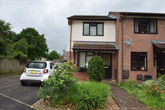 Thumbnail Semi-detached house to rent in Priory Road, Tiverton