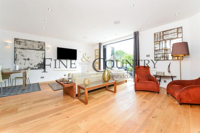 Thumbnail Flat for sale in St James Lodge, Eden Avenue, Chigwell