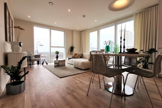 2 bed flat for sale in Evelyn Street, Deptford, London SE8