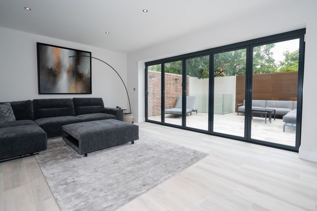 Thumbnail Property for sale in Kenilworth Road, Leamington Spa, Warwickshire
