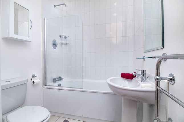 Bathroom of The Ropewalk, Nottingham NG1