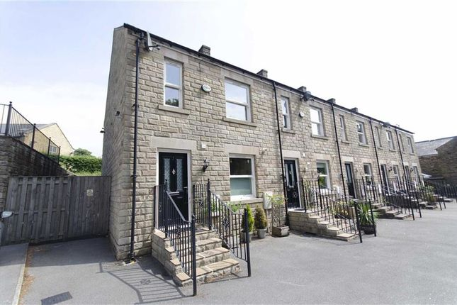 3 bed town house to rent in Richmond Mews, Saint Marys Road, New Mills, Derbyshire