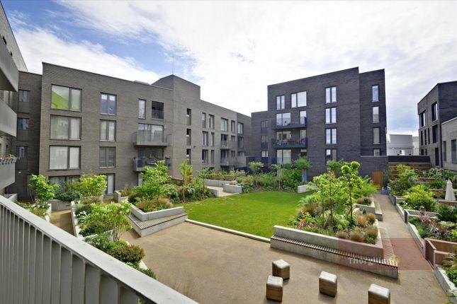 Thumbnail Flat to rent in Bowline Court, Brentford Lock West, Brentford