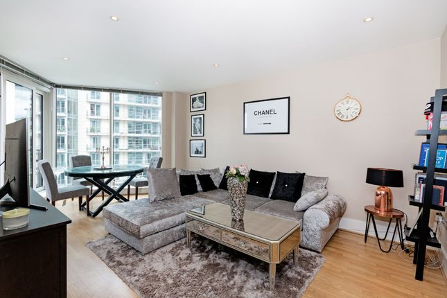 Thumbnail Flat for sale in Commodore House, Battersea Reach