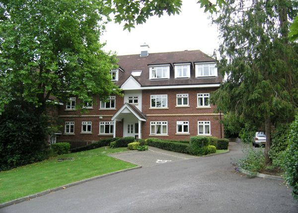 2 bed flat to rent in Greenleaves, Clays Hill, Bramber, West Sussex BN44