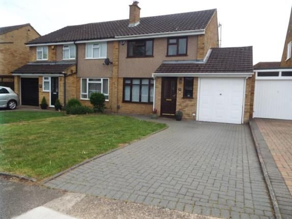 Picture No.01 of Edgewood Drive, Luton, Bedfordshire LU2