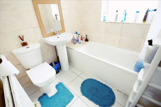 Bathroom of Coldeale Drive, Stanmore HA7