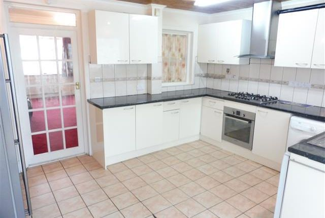 Thumbnail Property to rent in Hereford Road, Feltham