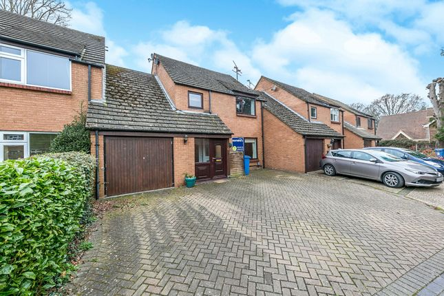 Thumbnail Link-detached house to rent in The Oaks, Yateley
