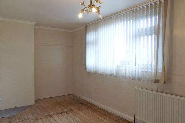 Picture No. 63 of Andrews Drive, Langley Mill, Nottingham, Derbyshire NG16