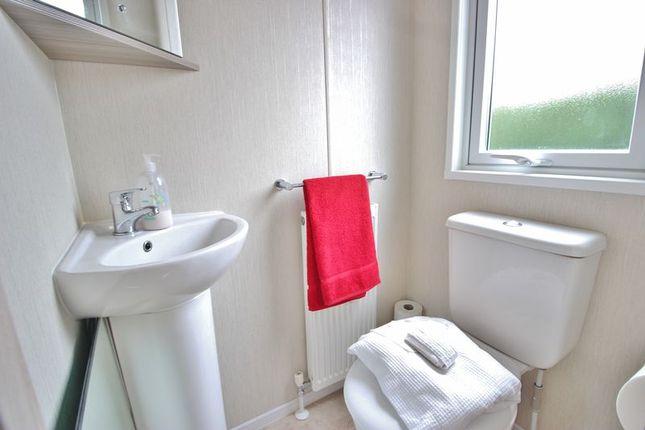 En-Suite W/C of Eastern Road, Portsmouth PO3