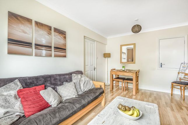 Living Room of Bowling Green Road, Thatcham RG18