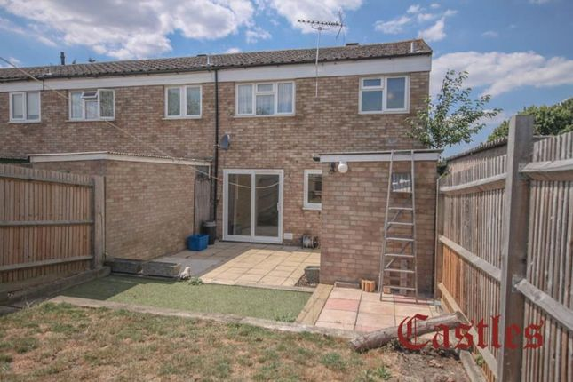 Thumbnail Property to rent in Mayfield, Waltham Abbey