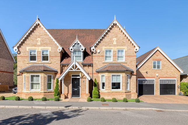 Thumbnail Detached house for sale in Shaftesbury Drive, Fairfield, Hitchin