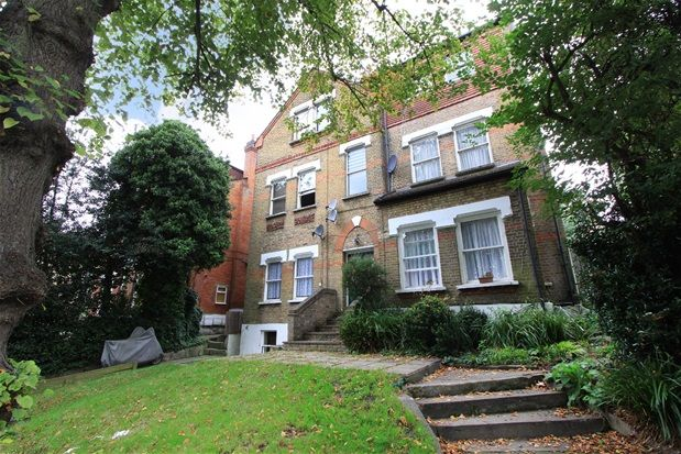 Thumbnail Flat to rent in Sydenham Avenue, London