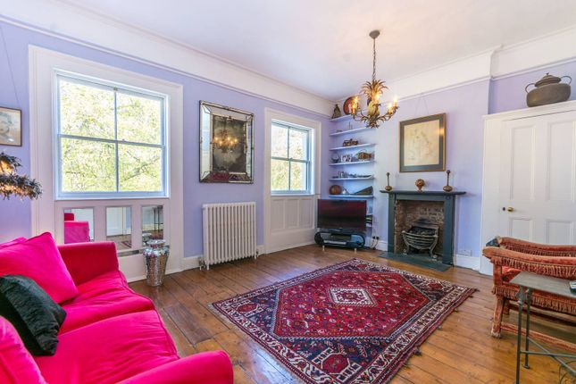 Thumbnail Flat for sale in Mecklenburgh Square, Bloomsbury
