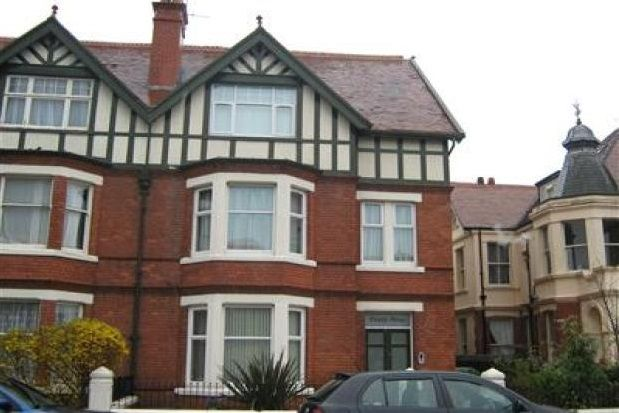 Thumbnail Flat to rent in Mostyn Avenue, Llandudno