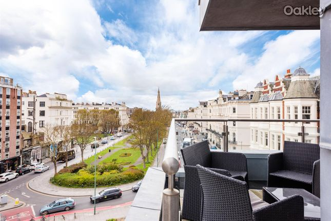 Thumbnail Flat for sale in Palmeira Plaza, Holland Road, Hove