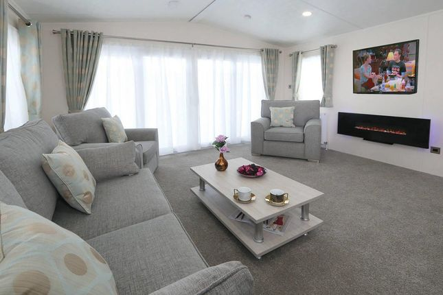 Superior-Deluxe-Lounge1-1181x787