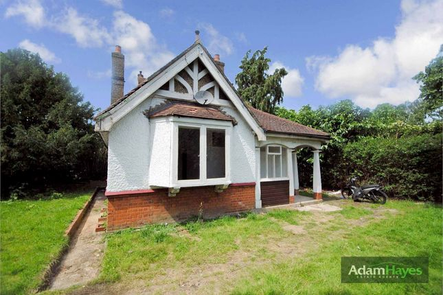 Thumbnail Detached bungalow for sale in Long Lane, Finchley Central