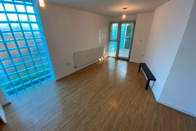 Thumbnail Flat to rent in Roxburgh Street, Bootle, Liverpool
