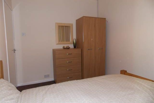 Thumbnail Shared accommodation to rent in Jubilee Street, Woodston, Peterborough