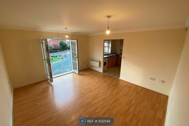 2 bed flat to rent in Heol Cilffrydd, Barry CF63