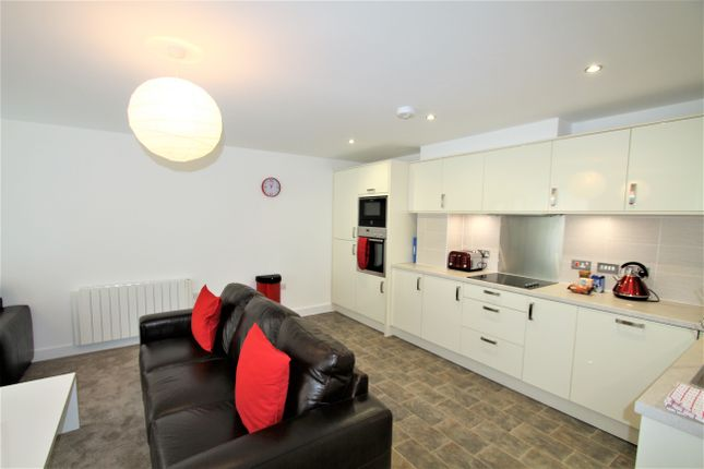 Thumbnail Flat to rent in Cestria Buildings, Chester, Cheshire