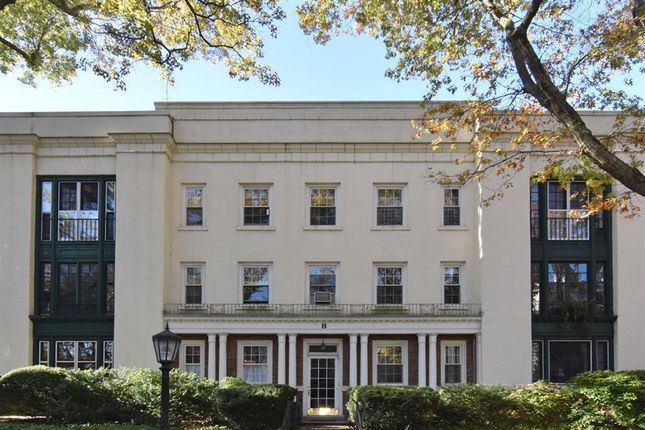 Thumbnail Property for sale in 8 Brooklands 1A Bronxville Ny 10708, Bronxville, New York, United States Of America