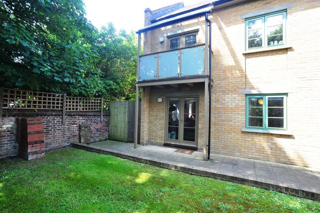 Thumbnail Flat to rent in Nightingale Road, Hitchin