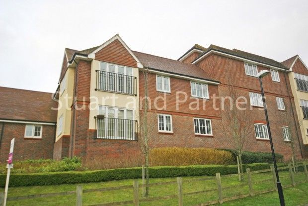 2 bed property to rent in Bolnore Village, Haywards Heath