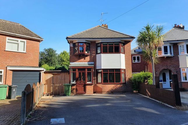 3 bed property to rent in Ringwood Road, Parkstone, Poole BH14