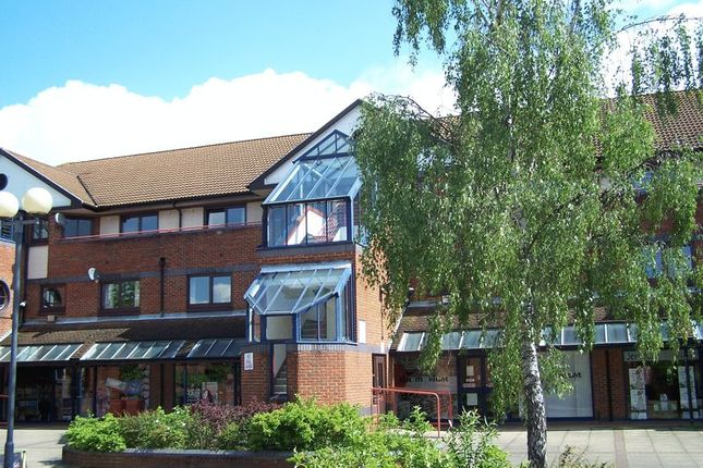 Thumbnail Flat to rent in Loddon Vale Centre, Woodley, Reading