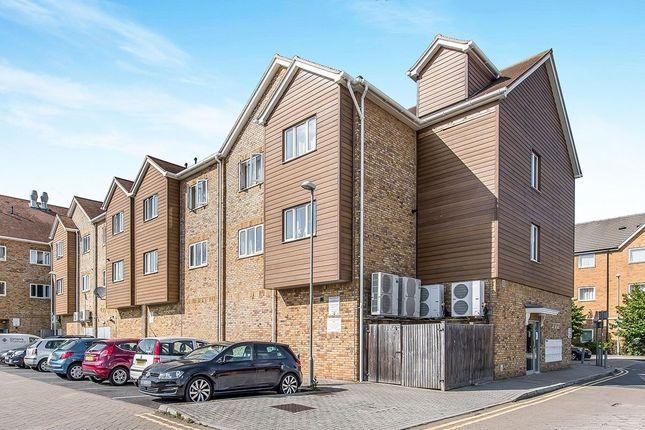 Thumbnail Flat to rent in Quartz Way, Sittingbourne