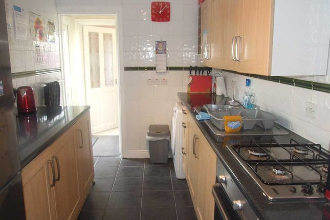 Thumbnail End terrace house to rent in Hale Cottages, Knockhall Road, Greenhithe