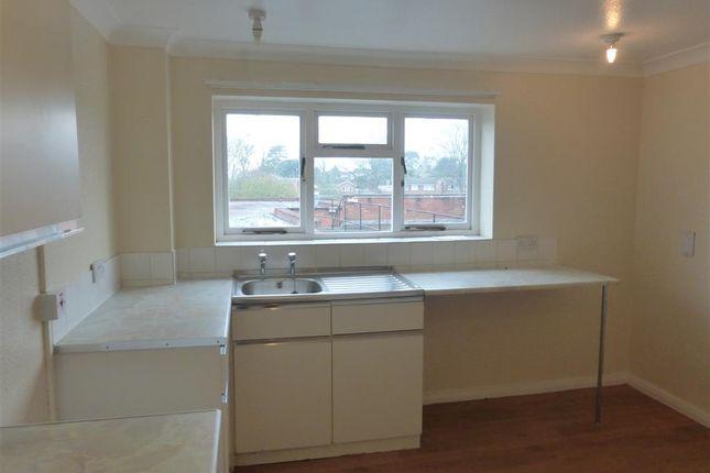 Thumbnail Flat to rent in High Street, Barrow Upon Soar, Loughborough