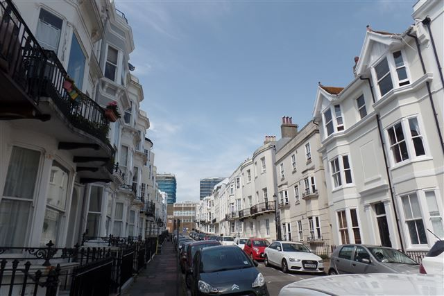 1 bed flat to rent in Devonshire Place, Kemp Town, Brighton BN2