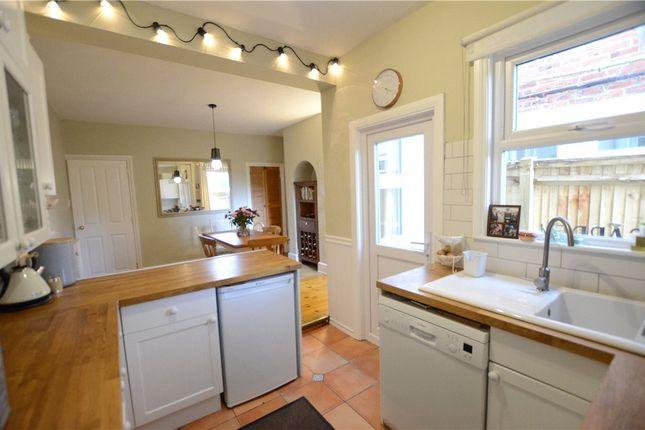 Kitchen B of Briants Avenue, Caversham, Reading RG4