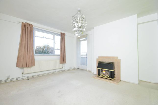 Thumbnail Flat to rent in Cumberland House, Kingston Hill, Kingston Upon Thames
