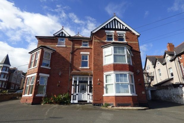 Thumbnail Property to rent in York Road, Colwyn Bay