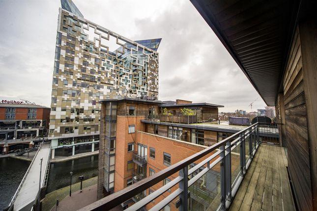 Thumbnail Flat for sale in Waterfront Walk, Birmingham