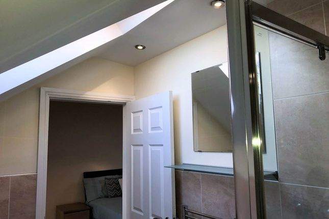 Thumbnail Shared accommodation to rent in Hough Lane, Bramley, Leeds