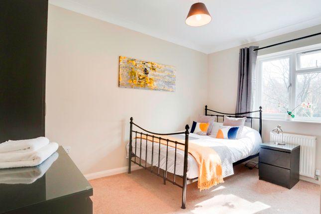 Thumbnail Room to rent in Hunters Way, Tunbridge Wells