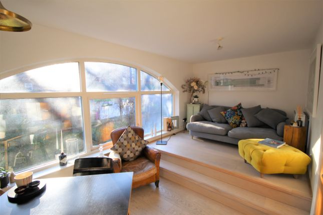 Thumbnail Town house to rent in Shacklewell Street, Shoreditch