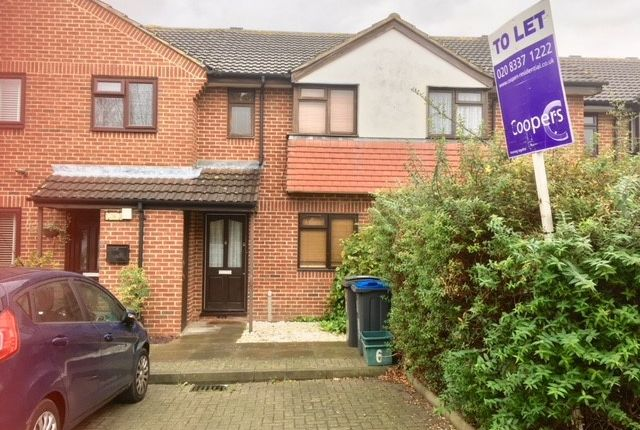 2 bed terraced house to rent in Clover Court Pembury Avenue, Worcester Park