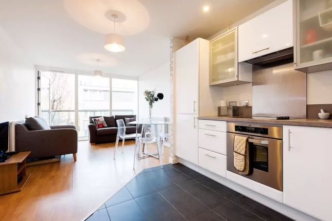1 bed flat to rent in Central Street, London