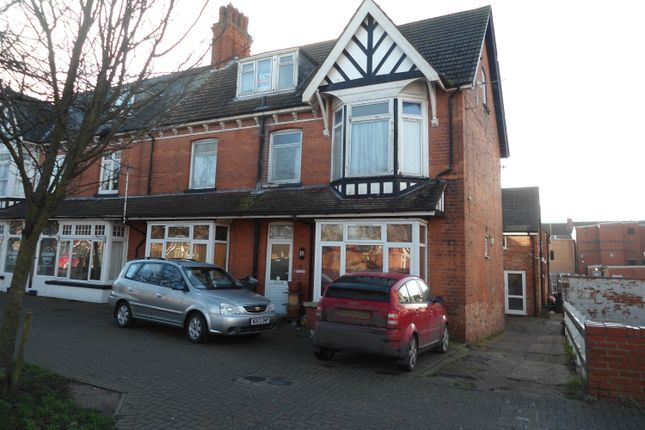 Thumbnail Flat to rent in Algitha Rd, Skegness, Lincolnshire