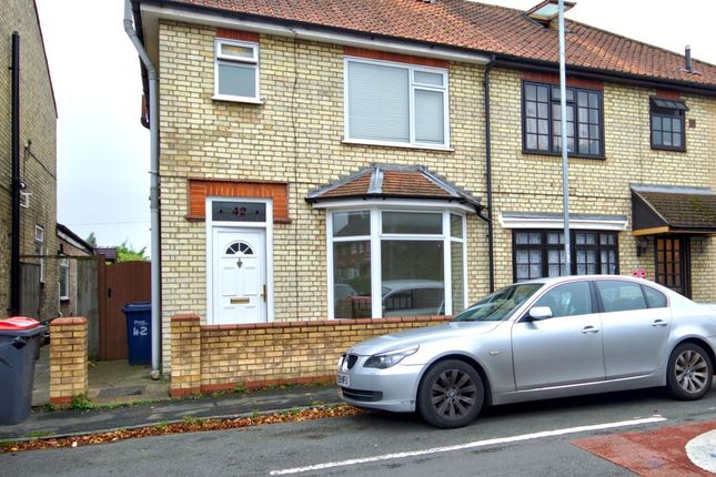 Thumbnail Semi-detached house to rent in Natal Road, Cambridge