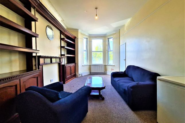 Thumbnail Flat to rent in Claremont Road, Cricklewood
